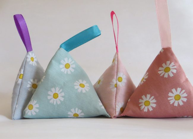 how to make dried lavender bags